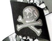 1 1 2 quot Skull and Crossbones Ribbon Black, White and Gray Skull Limited Yardage