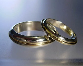 Two tone wedding ring set