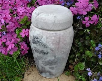 Pet Urn Up to 40 lb Pet 3 Cup Volume Dog or Cat Urn