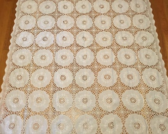 Vintage Embroidered Crochet Lace White Tablecloth