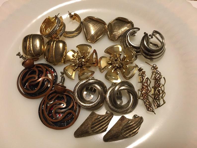 Nine Vintage Mod Metal Earrings Modernist Fun Designs Lot