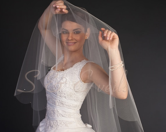 Scalloped Edge Drop Veil with Rhinestones