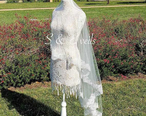 Drop Veil with Lace | wedding veil
