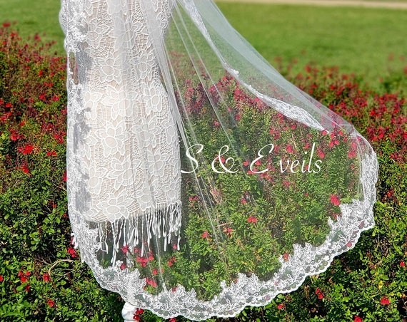 Wedding Fingertip Lace Veil