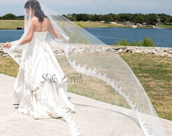 Drop Wedding Veil with Lace and rhinestones/pearls