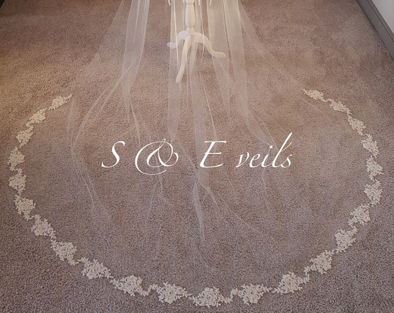 Cathedral Scattered Lace Veil, 1 tier cathedral scattered floral lace wedding veil, ivory lace cathedral veil, chapel lace veil