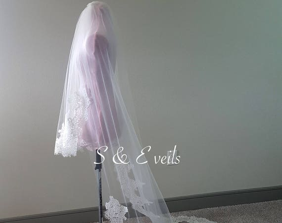 2 Tier Veil with lace