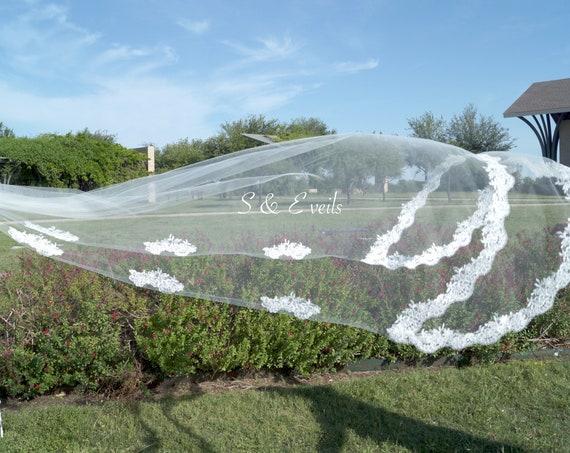 Chapel veil with lace | wedding veil