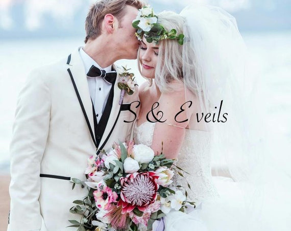Fingertip Veil with Crystals and a metal comb | wedding veil