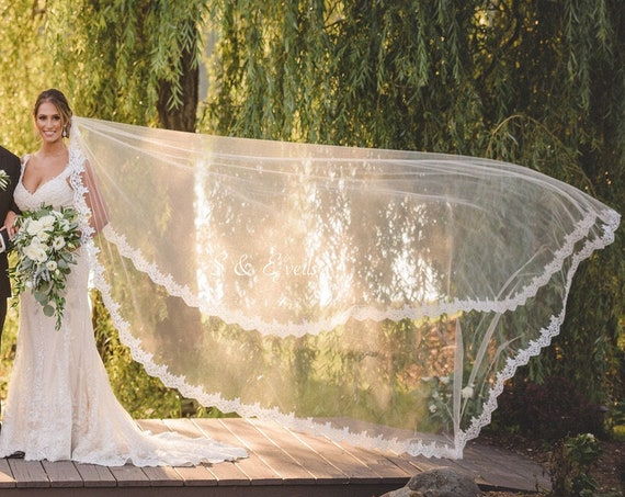 Mantilla Bridal Veil with Lace