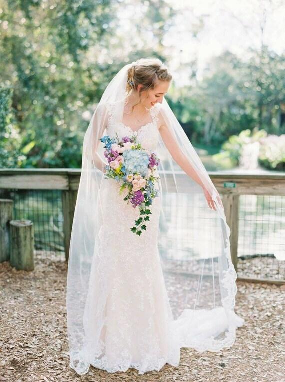 Chapel veil - Lace starts at Fingertip | wedding veil
