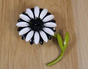 Black and White Enamel Flower Pin, Vintage Flower Brooch, Vintage Enamel Floral Metal Brooch, Vintage Enamel Flower Pin, Large Flower Pin