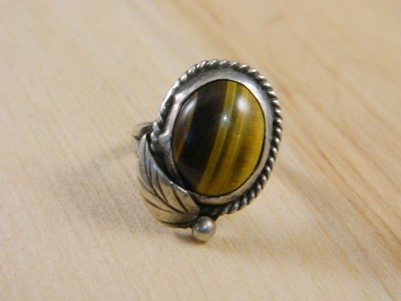 Beautiful Sterling Silver and Tiger/'s Eye Ring Sz6