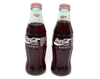 7e16d7e65bf54 Vintage Coca Cola Classic Seasons Greetings Commemorative Bottle 8 oz COKE  Santa December 1993 Set of 2 Glass Bottles Christmas Never Opened