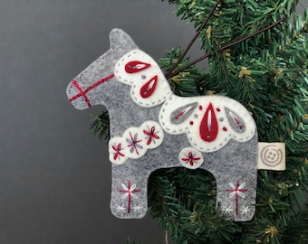 Personalised Horse Christmas Decoration Tree Bauble Pony Ornament Oak Veneer