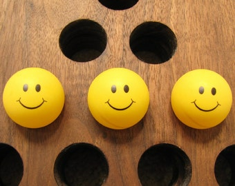 Yellow Smiley Face Ping Pong Balls Happy Face Ping Pong Set of 3 Standard 40mm  NEW