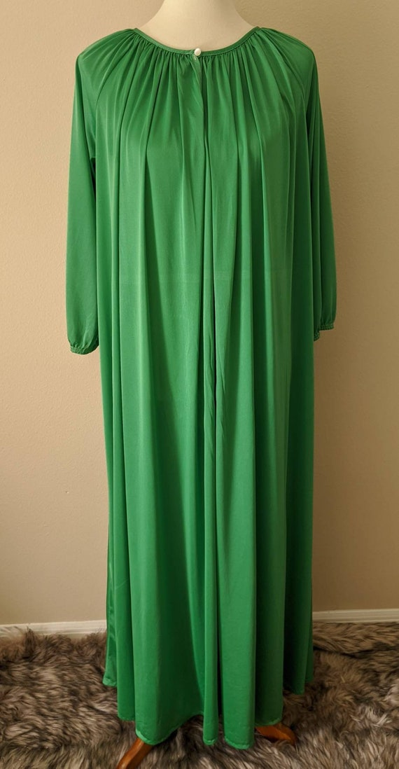 Nightgown Vintage Green Full Sweep, Victorian Styl