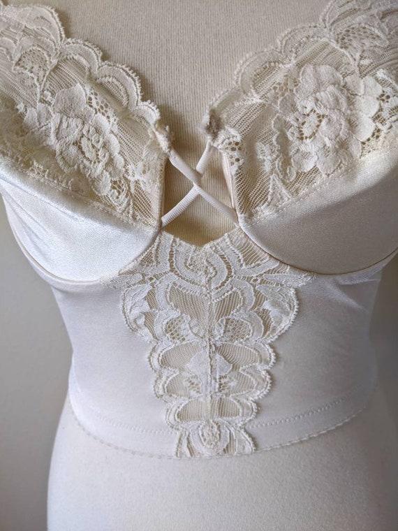 Vintage VANITY FAIR Bra, Backless Corset top Lace… - image 3