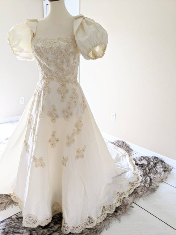 Ivory Vintage Wedding Gown, Lace Wedding Gown