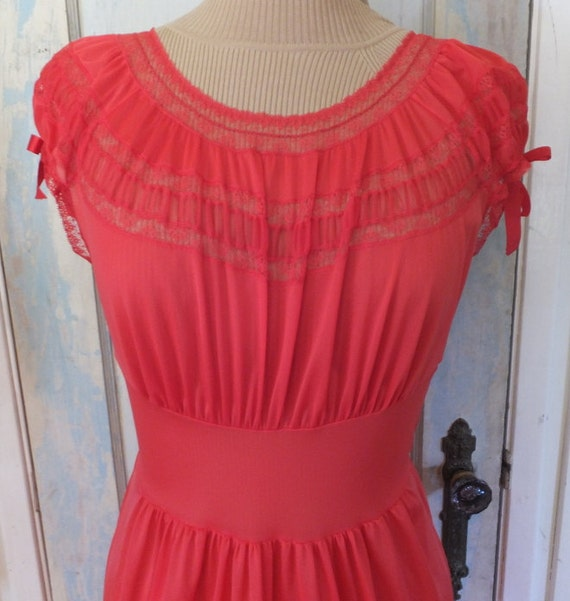 Vintage Red Nightgown, Peignoir, Lingerie, Floor l