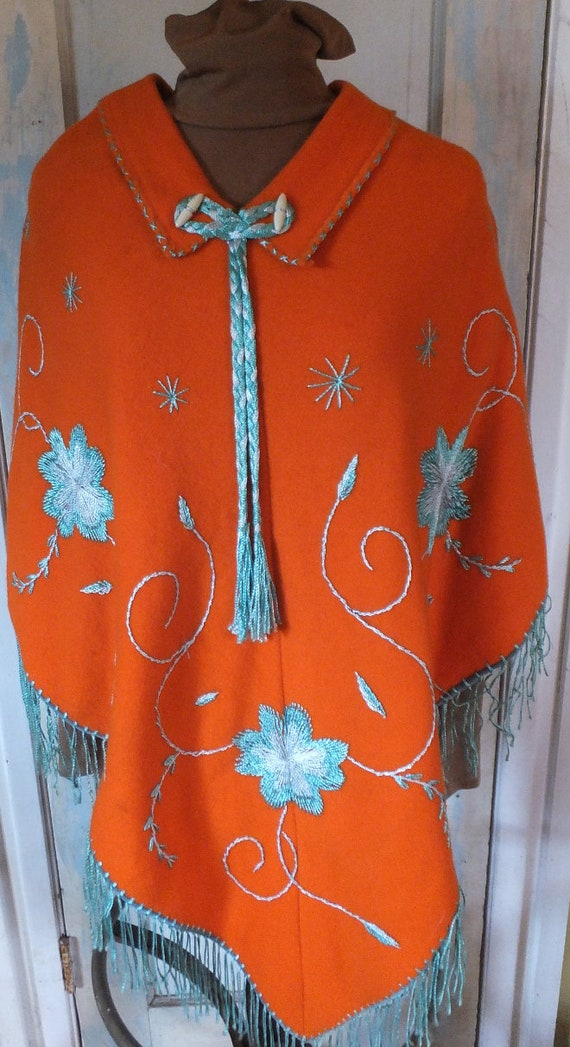 1950s-60s  Mexican Embroidered Wool Souvenir Ponch