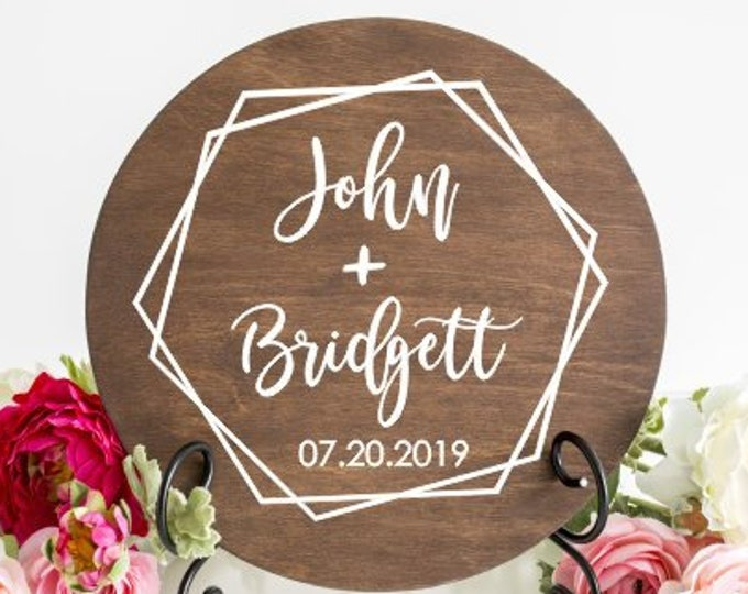 Modern Wedding Decal Names and Date in Hexagon Vinyl Decal for Wedding Sign Wedding Table Decor Trendy Modern Personalized Geometric