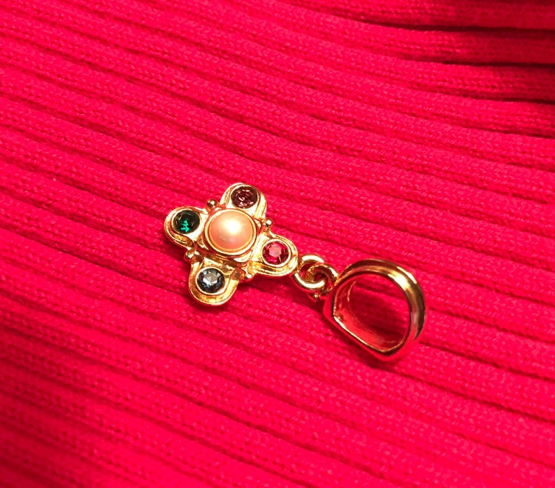 Carolee Pendant ~ Vintage Colorful Stone and Pearl ~ Gold Plated ~ Signed