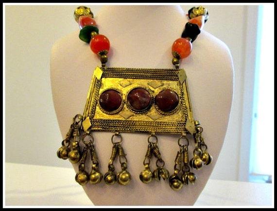 SALE - Vintage Statement Gemstone Necklace  - Carn