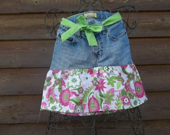 0f1f48920605 size 8 denim skirt with pink and green metallic fabric and coordinating  green stripe belt