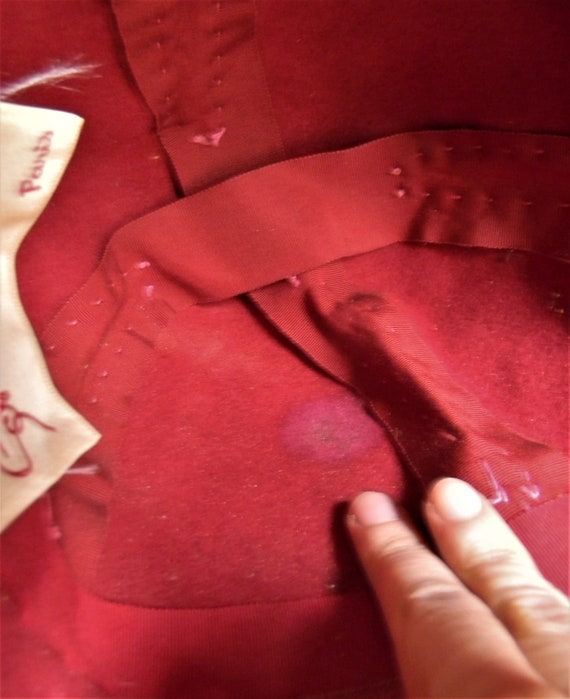 Vintage 1950s Schiaparelli Hat, Dark Pink Faux Fu… - image 7