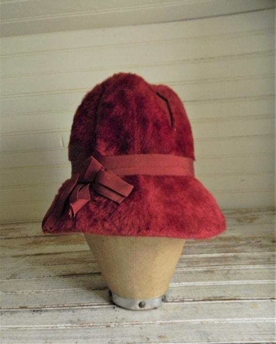 Vintage 1950s Schiaparelli Hat, Dark Pink Faux Fur