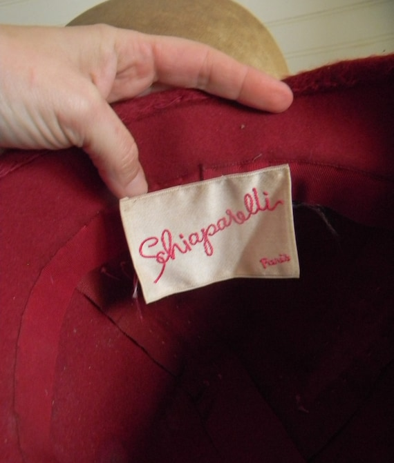 Vintage 1950s Schiaparelli Hat, Dark Pink Faux Fu… - image 6