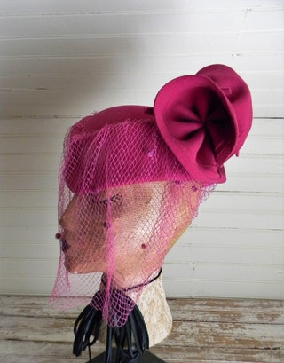 Pink Felt Hat 1960s Sculptured Hat with Veil Funky Hot Pink Abstract Hat, Veiled Hat Dark Pink Felt Hat With Large Bow in Back, HIgh Fashion