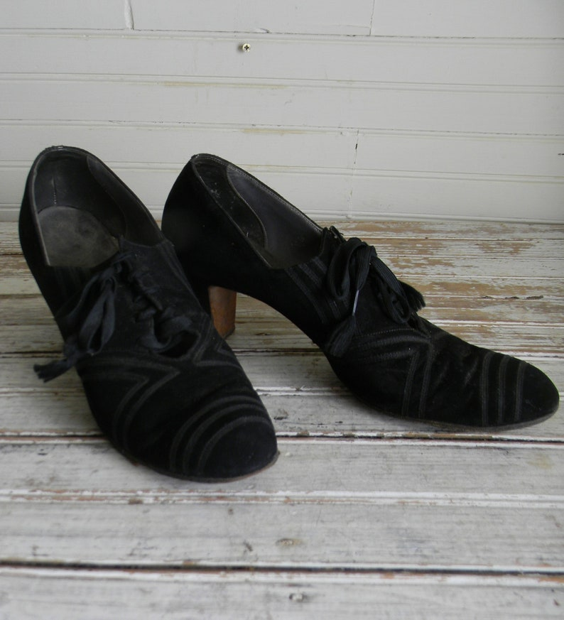 5ebc3a59322c Vintage 1930s Shoes Womens Black Lace Up Oxford Shoes Shoes