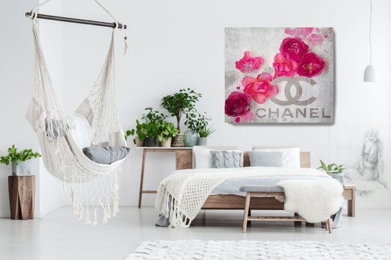 Chanel Pink Canvas, Chanel, Large Canvas, Fashion Home Decor, High Fashion, Art Canvas, Fashion, Fashion brand, Couture collection Print
