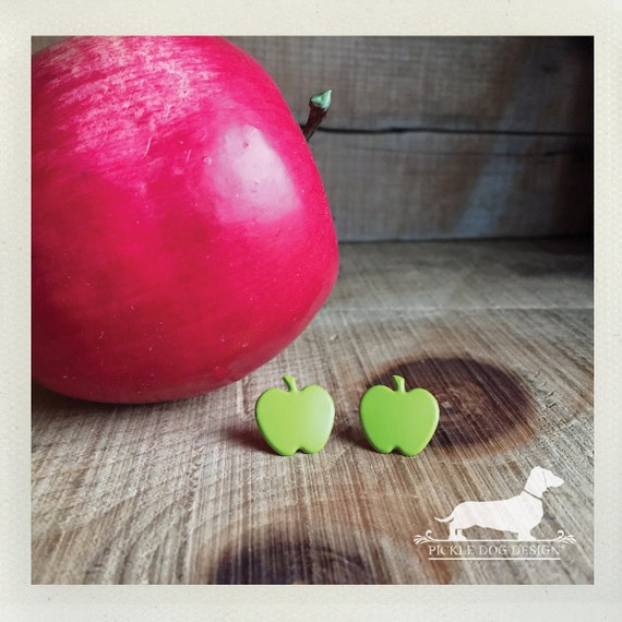 DOLLAR DEAL! Granny Smith. Post Earrings