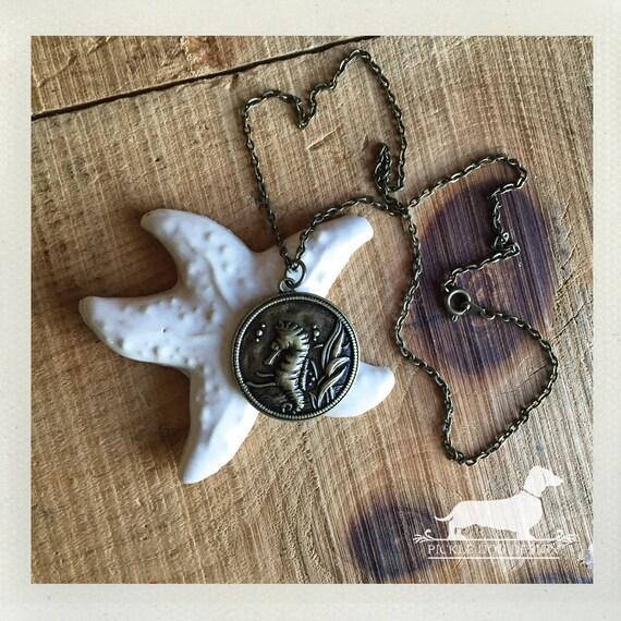 Seahorse Cirque. Necklace