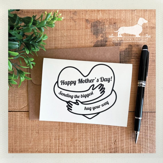 Mom Hug. Note Card