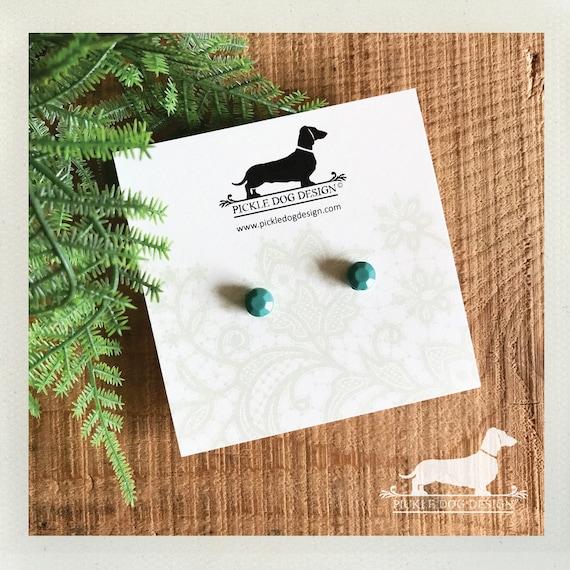 DOLLAR DEAL! Mint Gem. Post Earrings