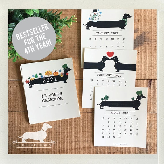 Holiday Doxie. 2021 Desktop Calendar