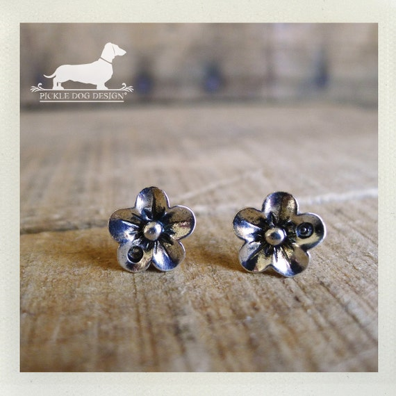 Silver Petals. Flower Post Earrings