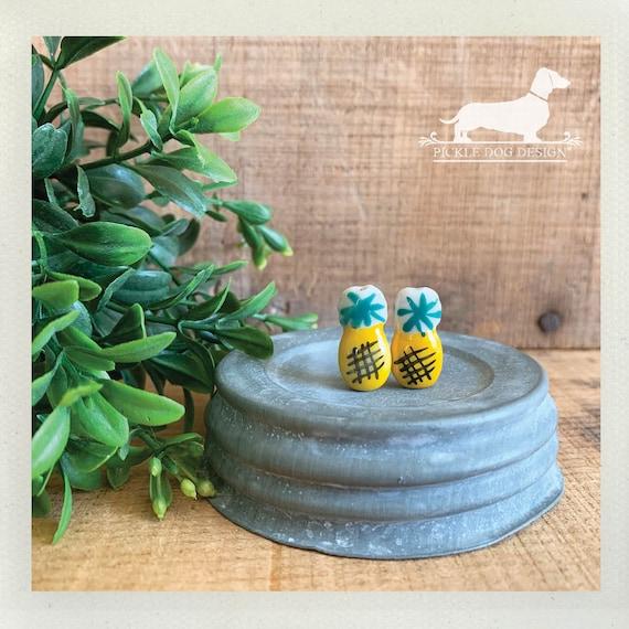 Pineapple Aloha. Post Earrings