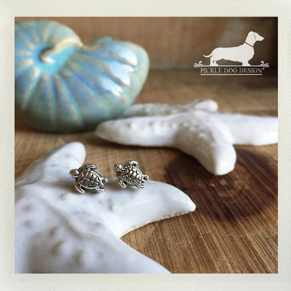 DOLLAR DEAL! Sea Turtle. Post Earrings