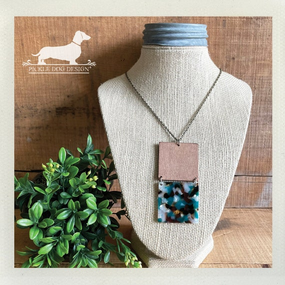 Teal Turtoise. Necklace