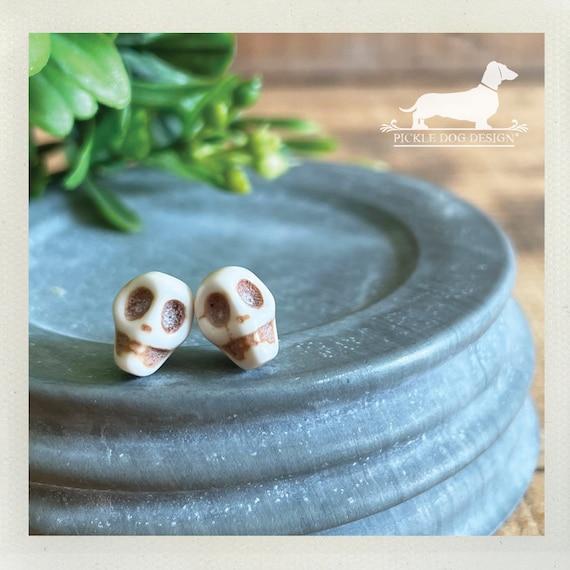 DOLLAR DEAL! Skull. Post Earrings