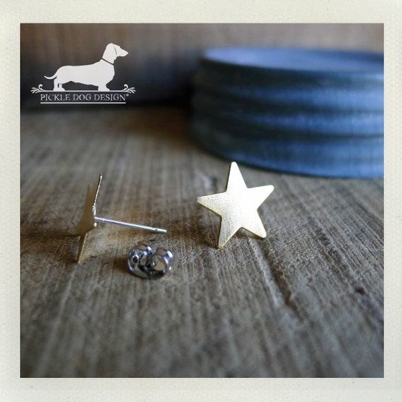Gold Star. Post Earrings