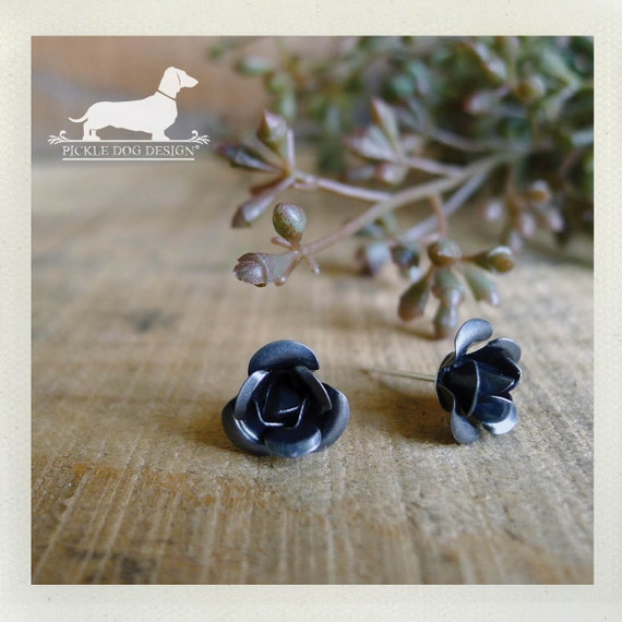 Rustic Rose. Post Earrings