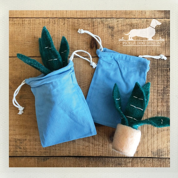LAST CHANCE! Blue. Set of 4 Muslin Bags