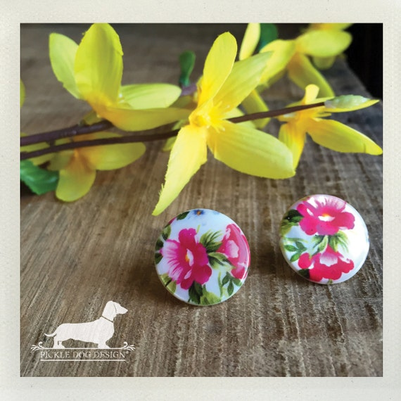 DOLLAR DEAL! Aloha Lei. Post Earrings