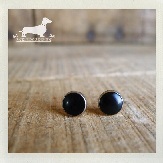 DOLLAR DEAL! Onyx. Post Earrings